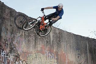 Chris Smith Signs For Identiti Bikes   Chris Smith
